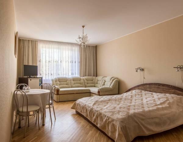 Klasikinis keturvietis / Classic Quadruple Room / Классический четырехместный номер/