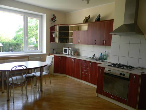 Virtuvė I aukšte / kitchen on the first floor / кухня на первом этаже